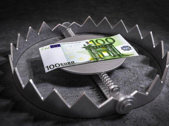 piramida finansowa - schemat ponziego - marketing sieciowy - blog o MLM